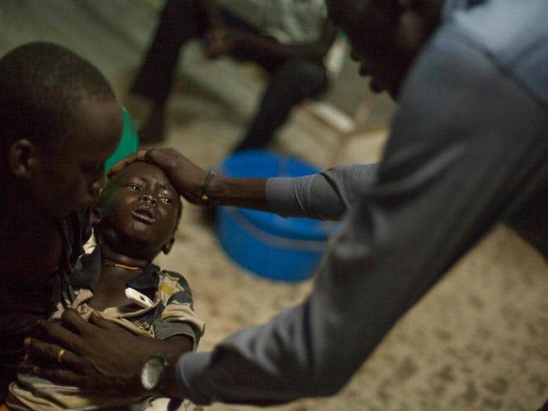 Soudan du sud: une guerre inconnue, des victimes silencieuses (de C. Mae Magbojos, L. Coppi)