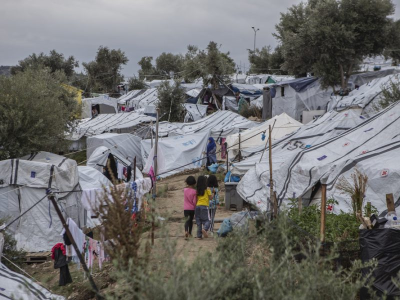 I rifugiati e i migranti: un mondo incompreso (di Ilaria De Lellis)